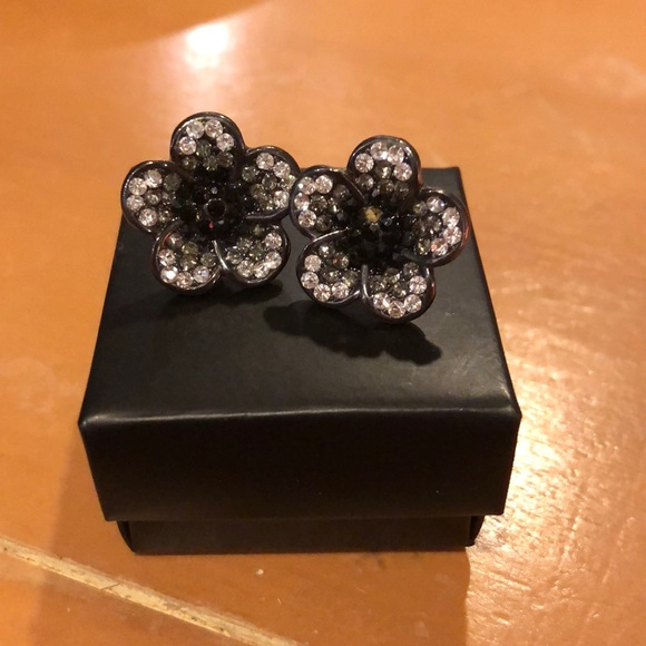 8b4200079 Claire's Jewelry | 315 Claires Black Silver Flower Stud Earrings ...